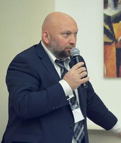 Клеев